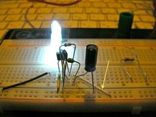電池一本で白色LEDを点灯2