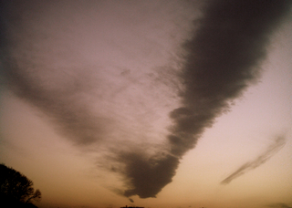 Polaroid izone550『ぱかーっとがばーっと分裂雲』