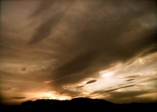 Polaroid izone550『うわゎ明日なんかくる...!!? ような気がする雲』4