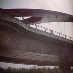 Lomography Diana Mini『ぽかーんと橋と光る水面』