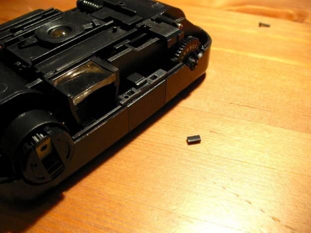 プラモデルカメラのシャッター不良を修繕