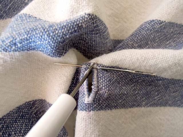 sewing_machine_buttonhole-21.jpg
