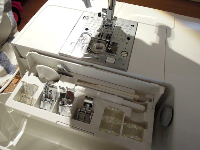 sewing_machine_buttonhole-8.jpg