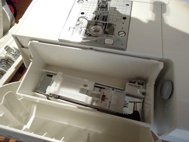 sewing_machine_buttonhole-9.jpg
