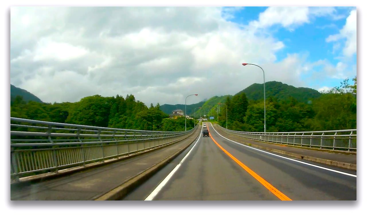 JVC GC-XA1 Drive to Lake Yamanaka-1.jpg