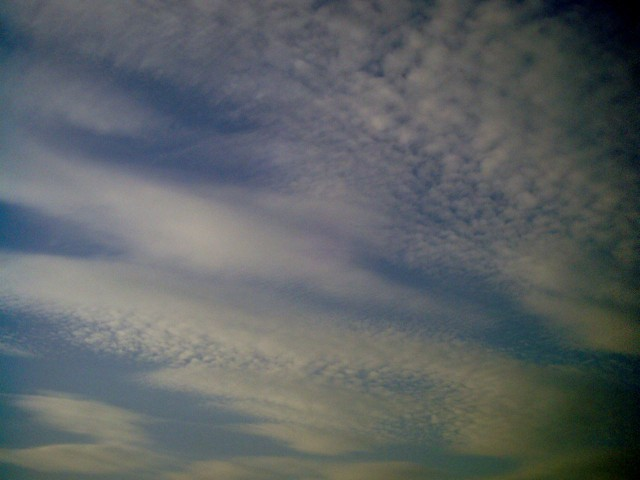 http://necobit.com/images/blog/2013/09/Polaroid-a520-sky_20130925-9.jpg