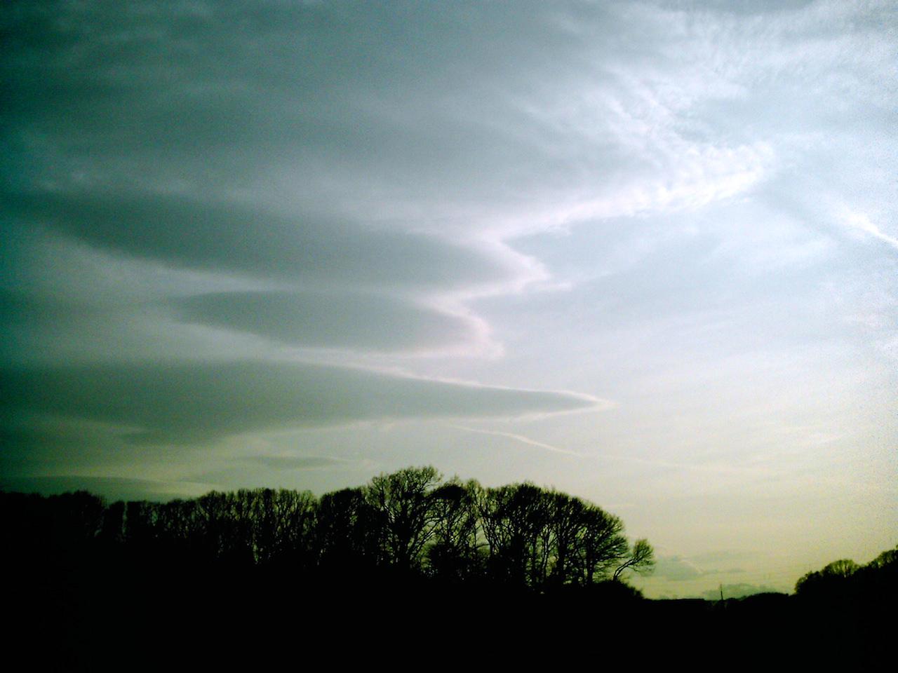 Polaroid-a520_sky20140419-4.jpg