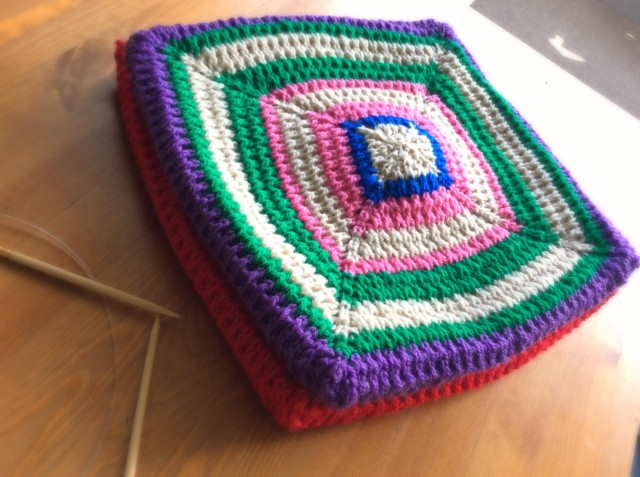 iPad Air_knitted-floor-pillows_2-9.jpg