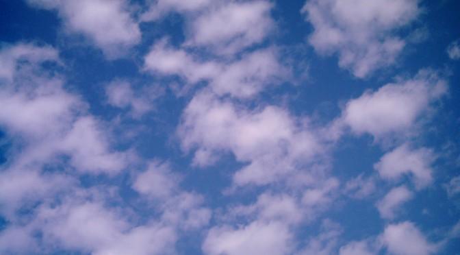 つまり大きいのはひつじ雲?(Polaroid a520)