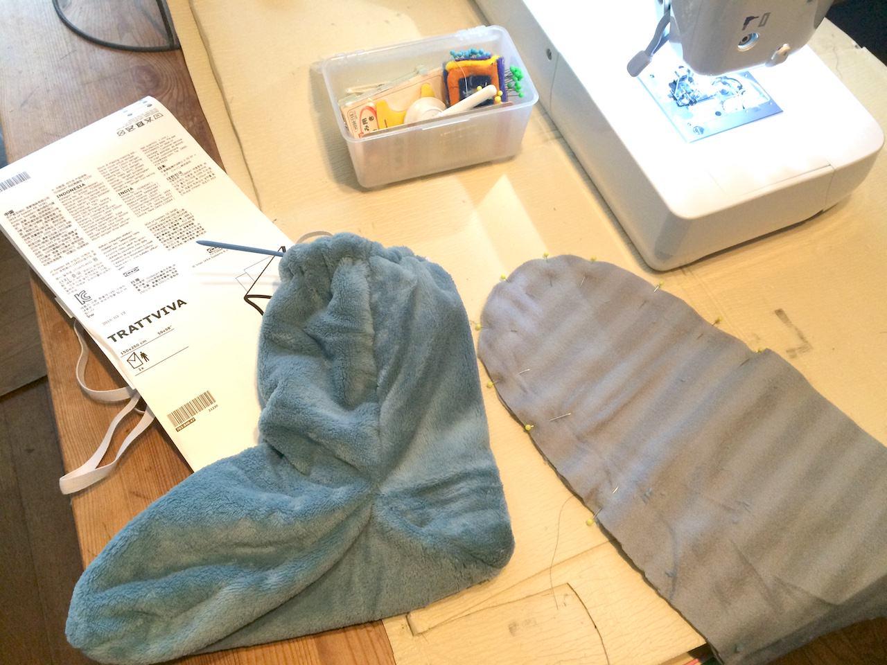 IKEA-blanket-Room-socks01