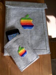 虹色アップルマークのiPod touchケース10