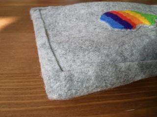虹色アップルマークのiPod touchケース8